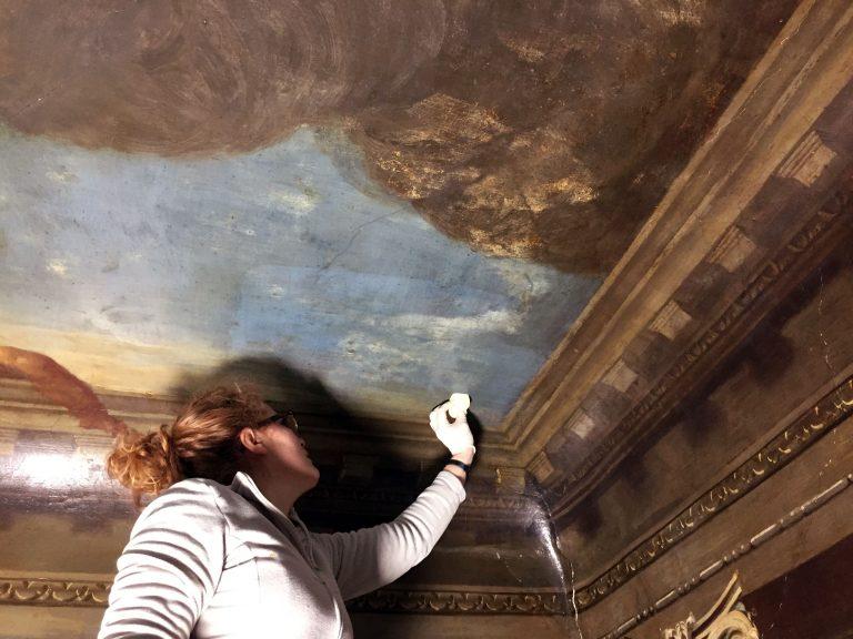 Oppervlakte reiniging plafond