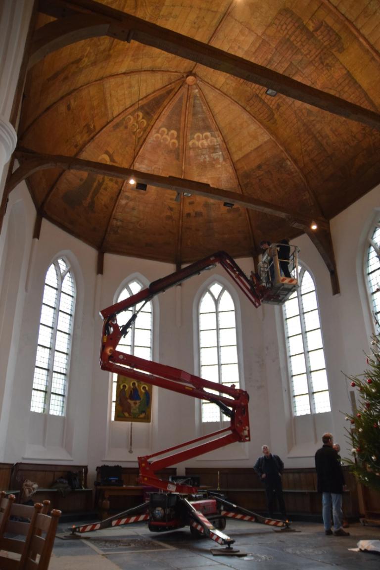 Tijdens onderzoek naar de gebruikte pigmenten in de Zuiderkerk.